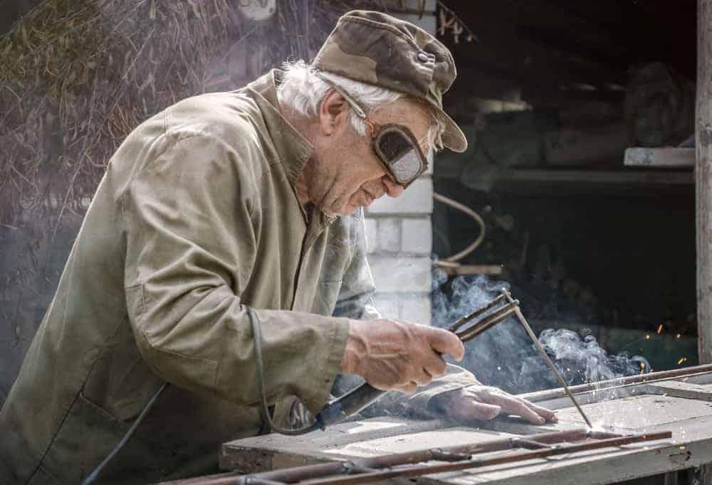 Old Man finds it hard to differentiate between good weld vs bad weld