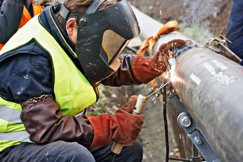 Lady Welder Pipe Welding