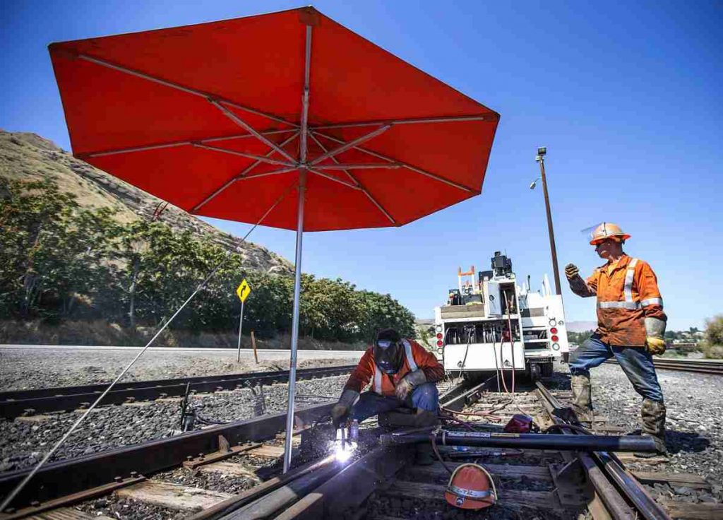 Rail Welding with Welding Umbrella